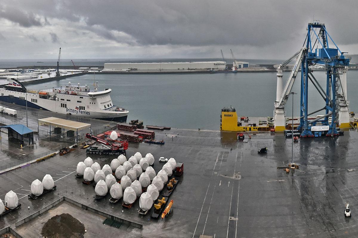 La primera fase del espigón central del Puerto de Bilbao entra en su recta final